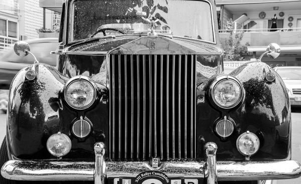 b&w car exposition castelldefels