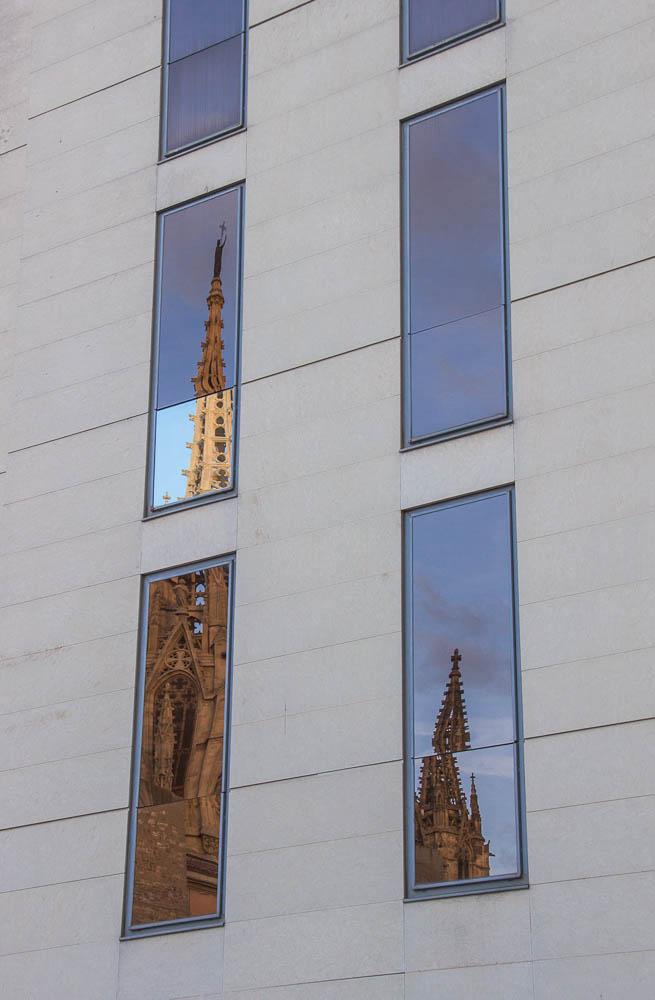 catedral barcelona reflejos
