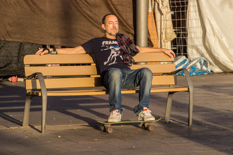 barcelona street people