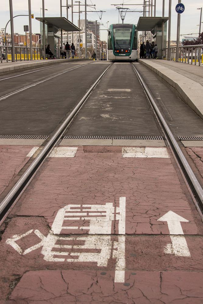 barcelona tranvia street
