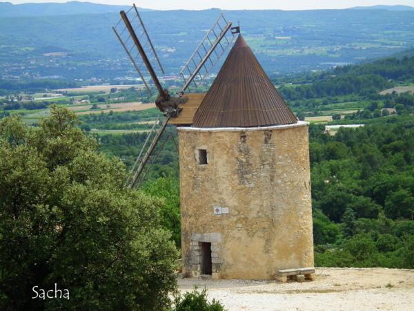 Moulin à vent  St Saturnin-lès-Apt