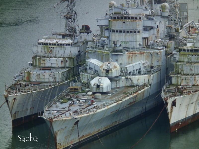 Cimetière pour  bateaux de guerre .....Landevennec
