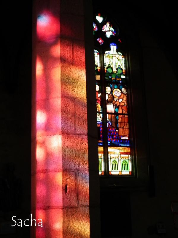Lumières de vitraux Chapelle Ste Anne Bretagne