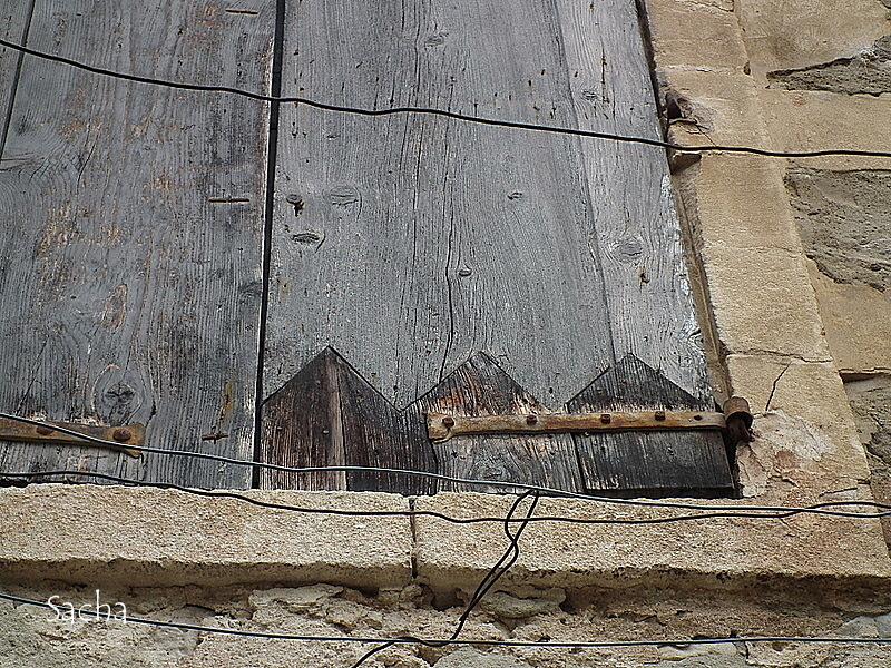 Volets de provence ..village de Viens