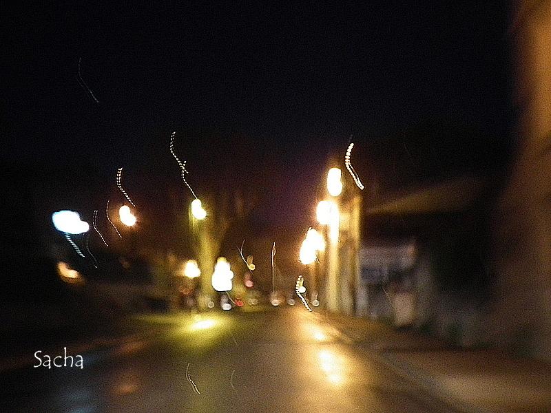 Tard dans la nuit village de Céreste provence
