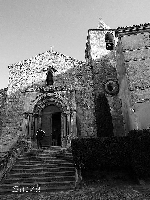 Autre angle de l'église St Vincent