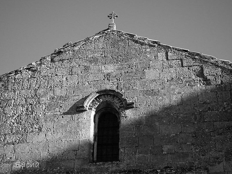 Ombre et lumière église St Vincent les Baux