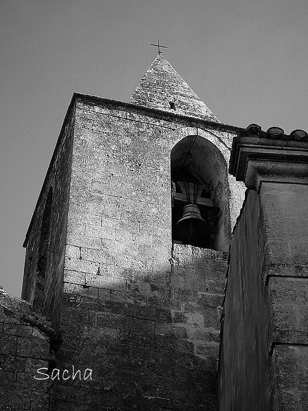 """Clocher de l'église St Vincent """" Baux  de Provence"""