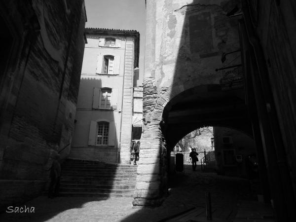 Calade et maisons à Gordes