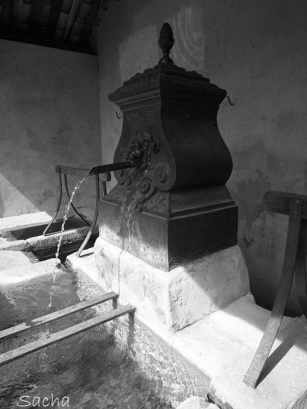 Fontaine Cabrière d'Avignon Luberon