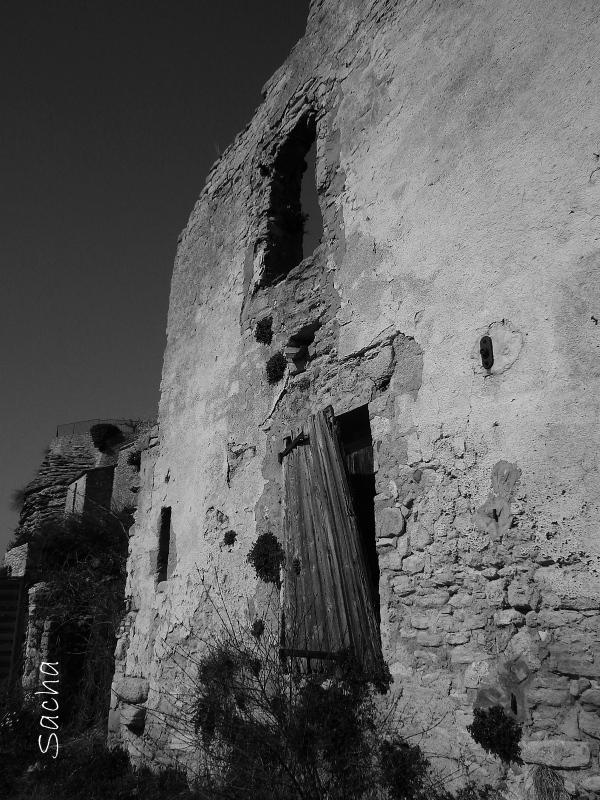 Maison en ruine village de Saignon
