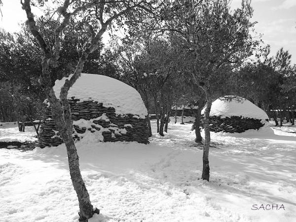 Sous la neige borie et Land Art borie