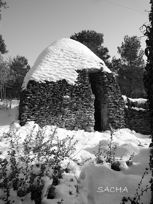"Borie sous la neige "" La Grande Garrigue "" Luberon"