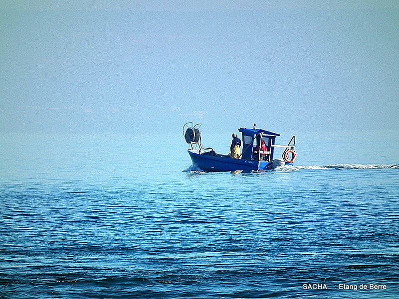 Bateau de pêche étang de Berre