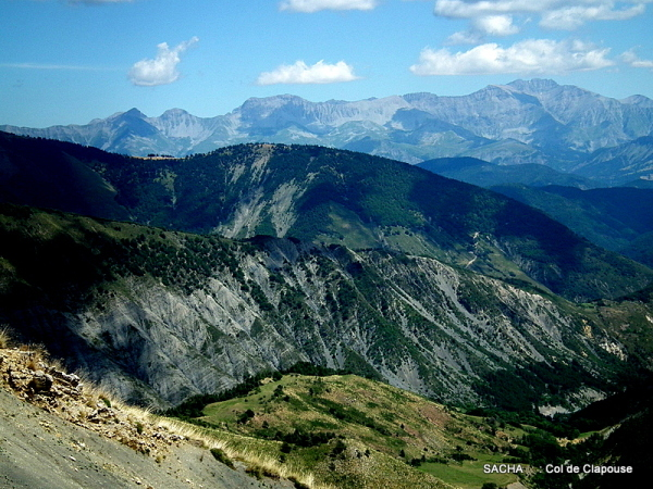 Montée au col de Clapouse massif des Monges