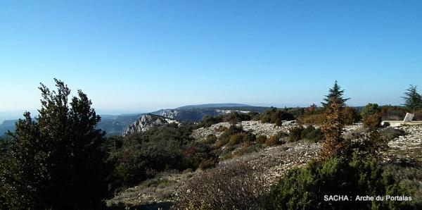 Face sud du massif du Luberon