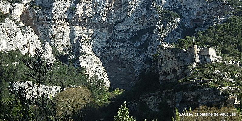 Château des Evèques Fontaine de Vaucluse