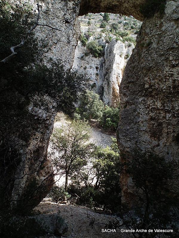 """Grande Arche de Valescure """"Mts de Vaucluse """""""