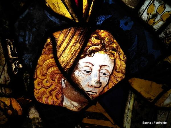 Détail : vitraux abbaye de Fonfroide Aude