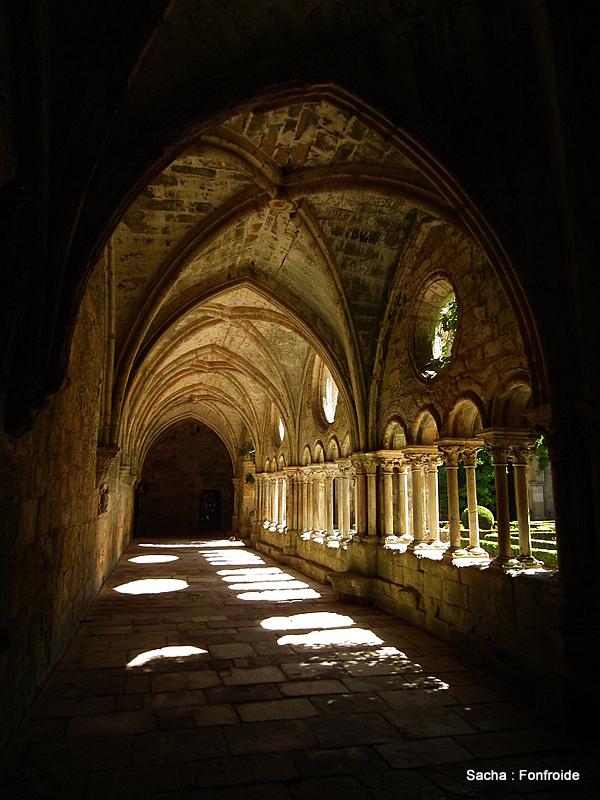 """Cloître Abbaye de Fonfroide """" Aude """" Occitanie"""