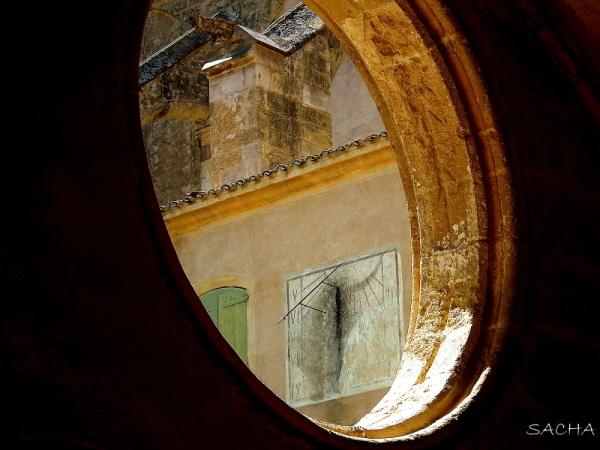 Dans mon oeil :) cadran solaire abbaye de Valmagne