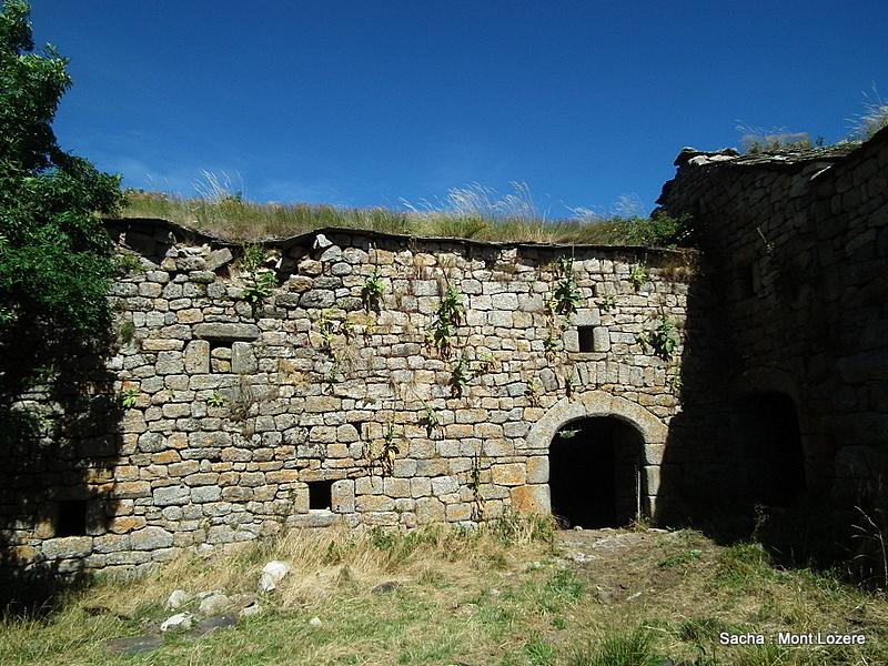Ferme Caussenarde ( ruine)