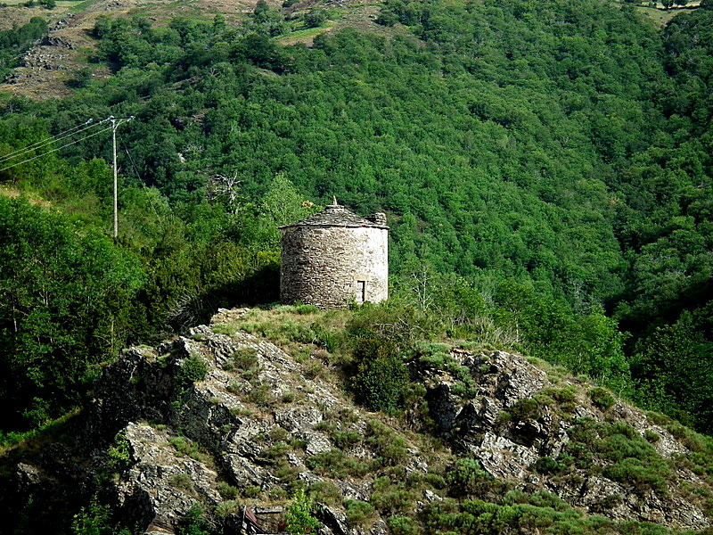 Sur la colline St Julien d'Arpaon Cévennes