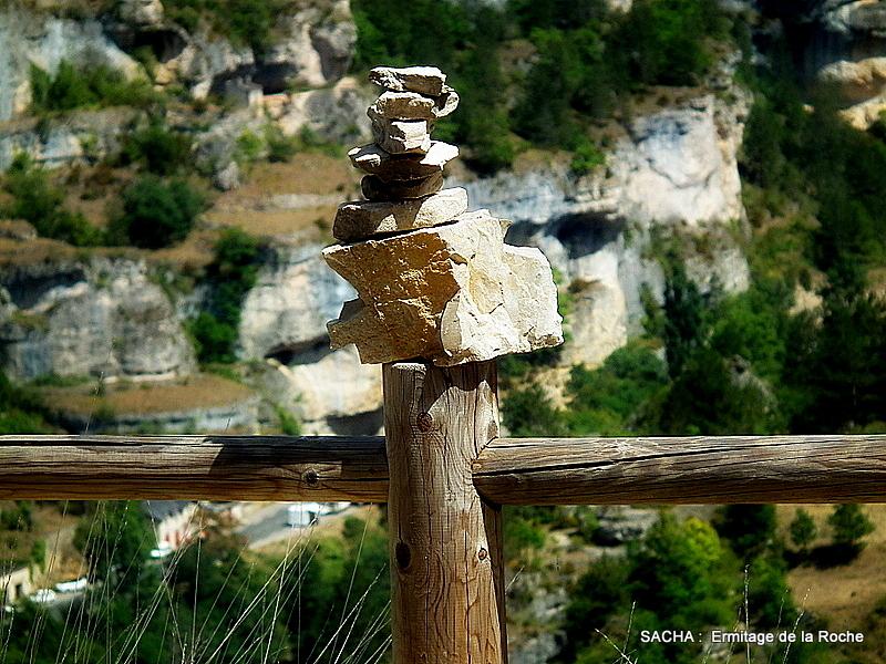 Land Art , Gorges du Tarn , sentier de l'Ermitage