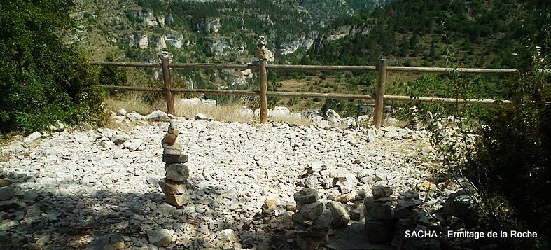 Land Art sentier de l'Ermitage Gorges du Tarn