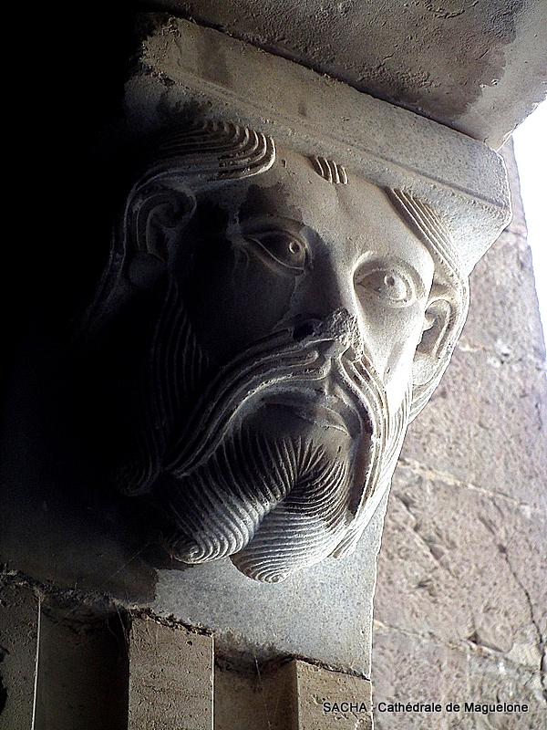 """Sculpture """" entrée cathédrale de Maguelone """""""