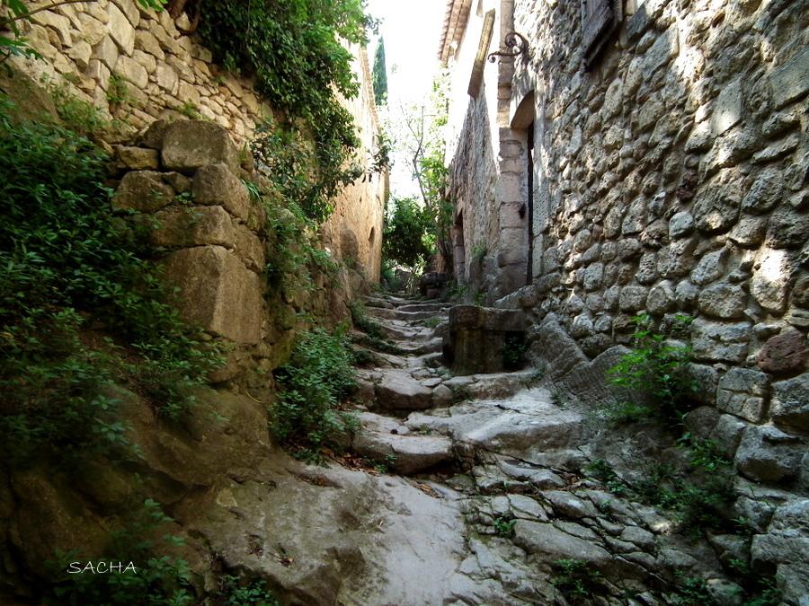 Rue du Portalet Oppede le Vieux Luberon