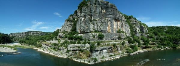Montage : falaises et rivière Ardèche à Balazuc
