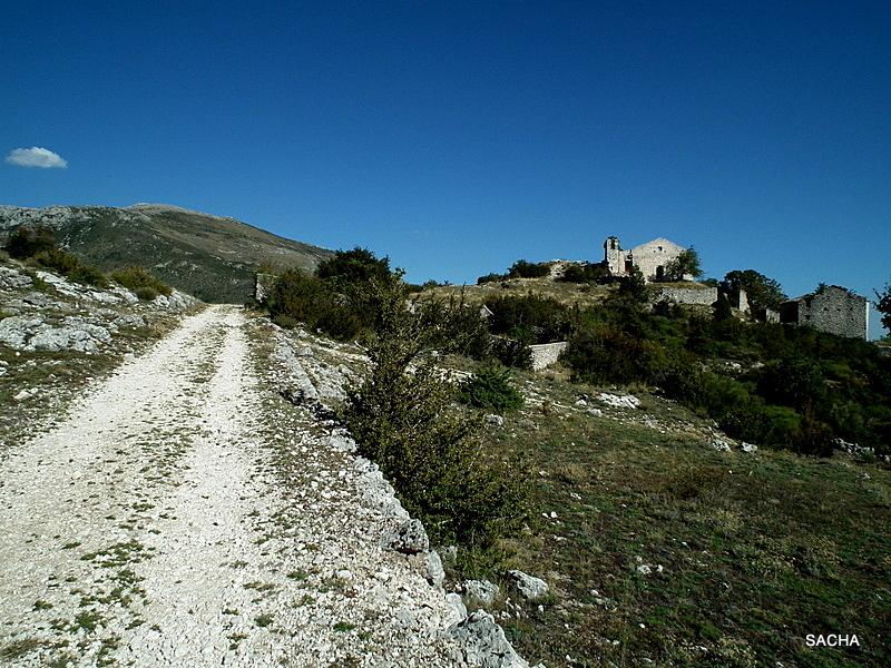 Village abandonné de Châteauneuf-Lès-Moustiers  04