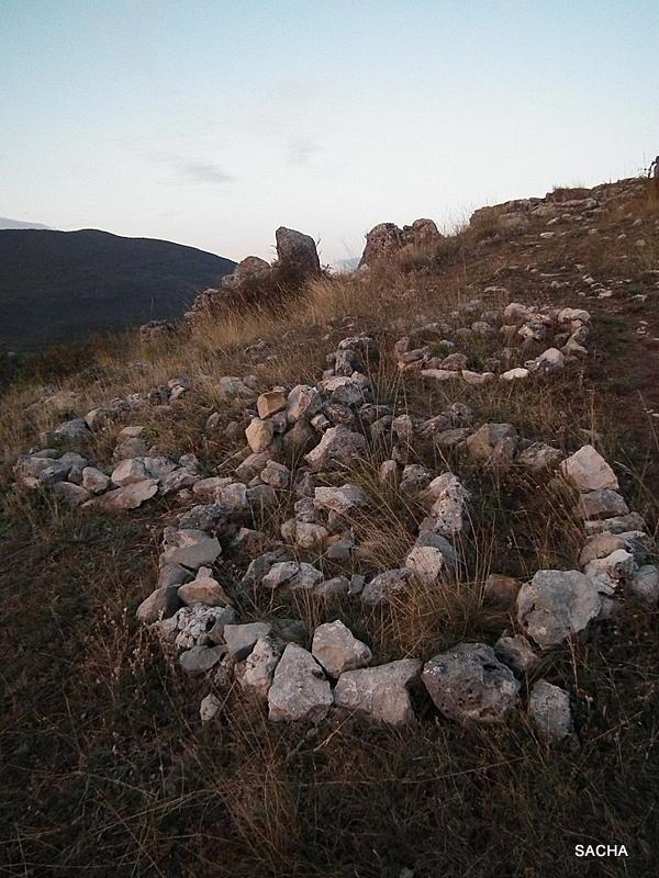 Land Art   Ruines de Châteauneuf -Lès-Moustiers