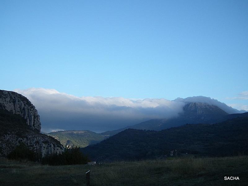 Au petit matin dans la brume le Mt Chiran 04