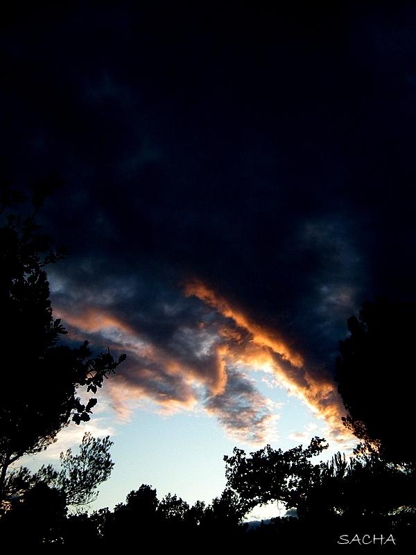Ciel dans le couchant Luberon