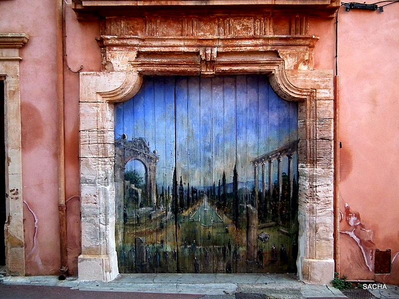 Entrée des artistes :) Roussillon en Provence
