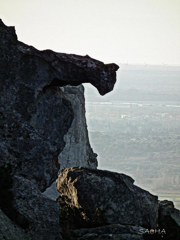"""Vigie de pierre """" entrée du Val d'Enfer """" Provence"""