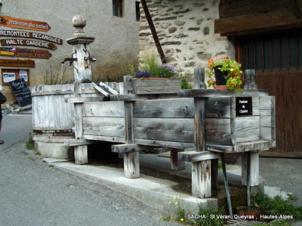 Fontaine dans le Queyras