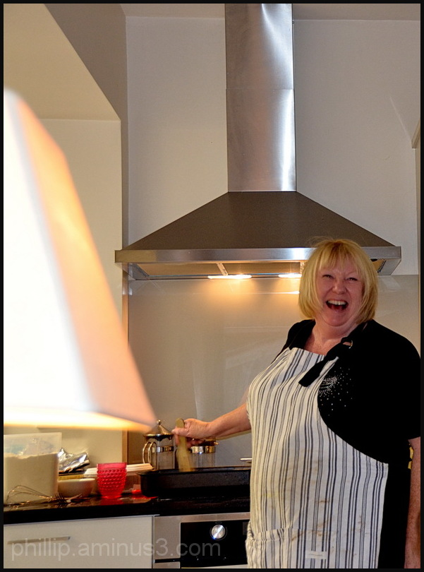 """Happy Cook"""