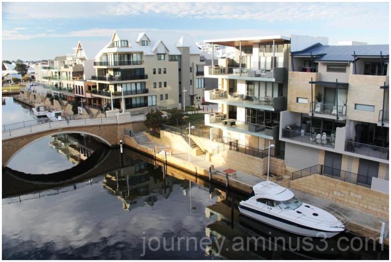 Mandurah Canal Living