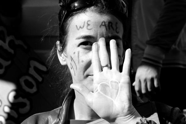 coeur manifestation indignés paris noir-blanc