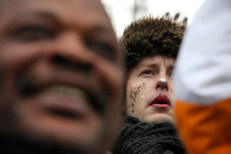 manifestation indignés paris  La-Défense