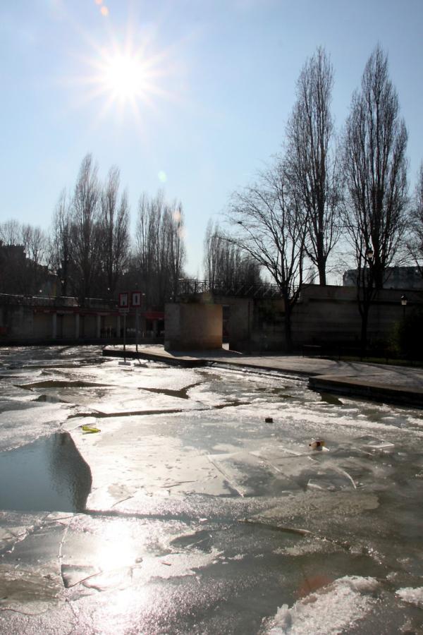 paris quai-de-seine contre-jour canal-gelé
