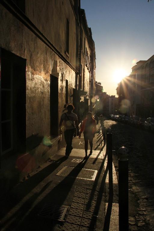 paris montmatre lumière rue ombre