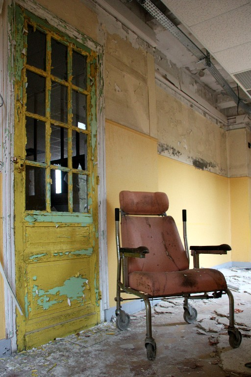 urbex ailleurs matière ambiance chaise