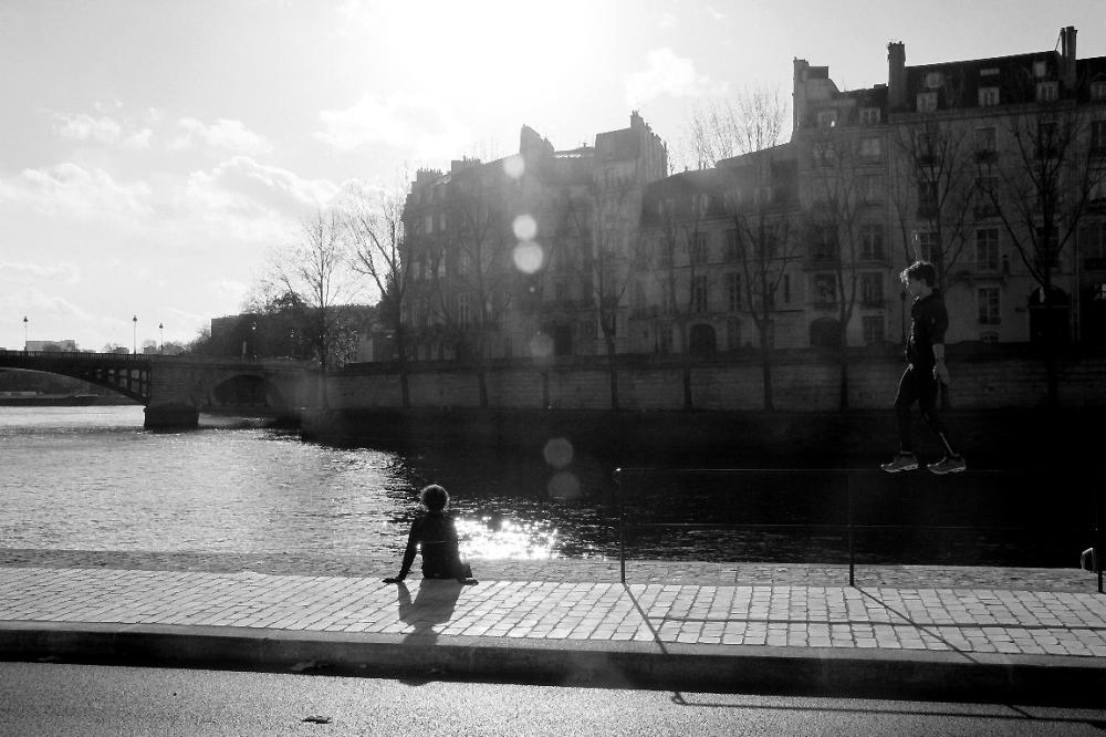 paris noir-blanc contre-jour quai-de-seine