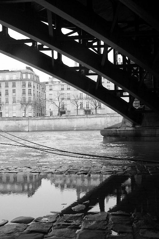 paris noir-blanc reflet quai-de-seine