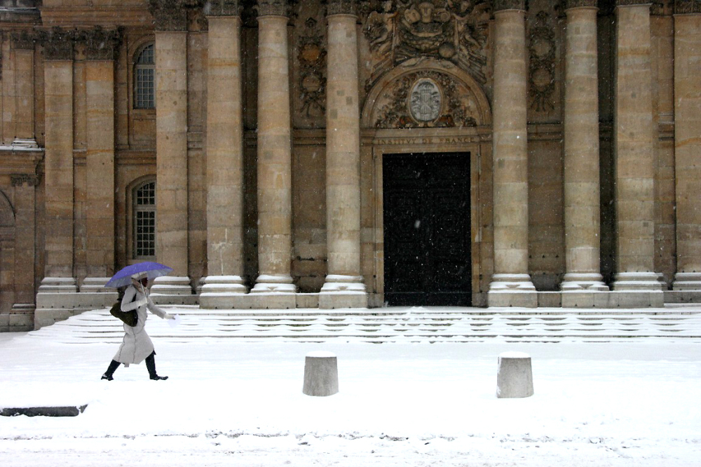 paris neige parapluie