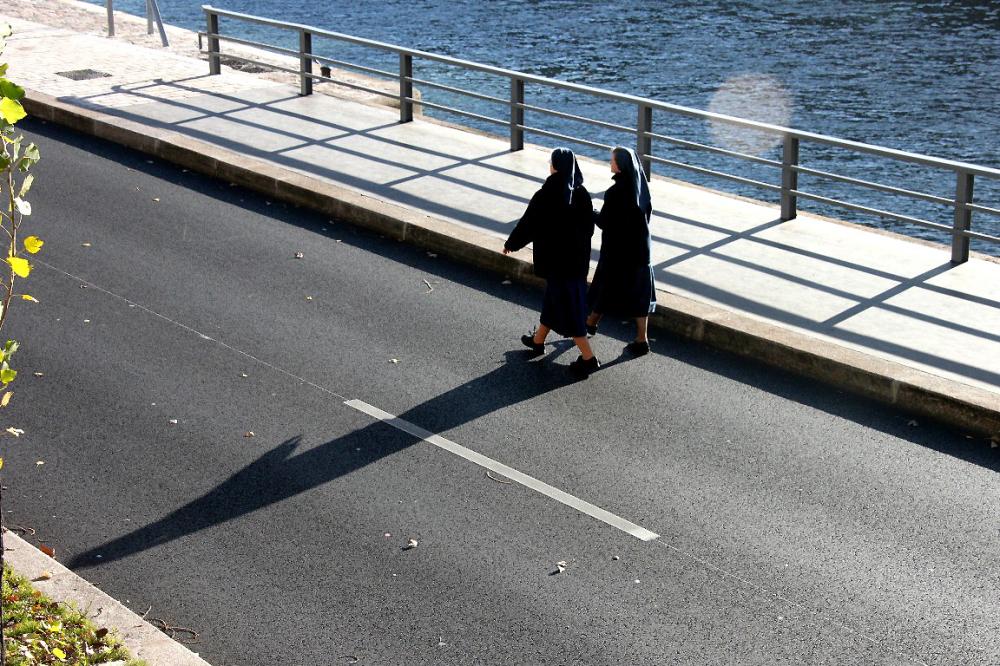 paris silhouette quai-de-seine ombre